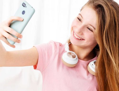 How to Take Your Best Selfie with Your New Smile
